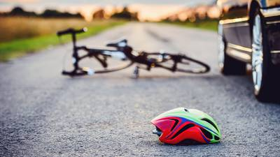 6 cyclists injured by pickup truck in Texas